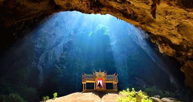 Phraya-Nakhon-Cave-Thailand-077